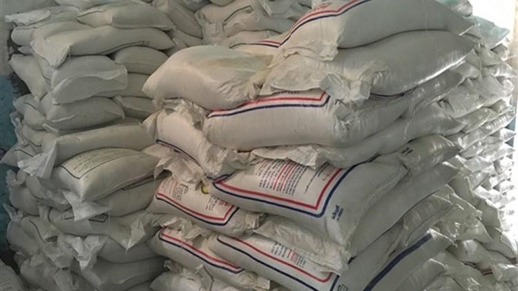 السعودية والإمارات توقفان صادرات السكر الأبيض إلى قطر