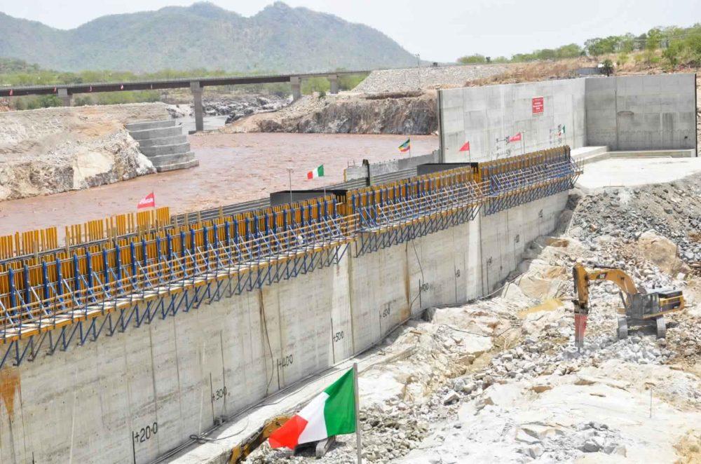 عاجل بالتفاصيل... أثيوبيا: الانتهاء من سد النهضة بعد 5 أعوام...ولم نبدأ  التخزين أمام السد