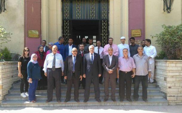مدير معهد صحة الحيوان: تأهيل الكوادر البيطرية العربية يستهدف السيطرة علي الامراض العابرة للحدود