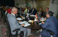 وزير البيئة يجتمع باللجنة العليا لمشروع إدارة المخلفات الصلبة بمحافظة المنيا