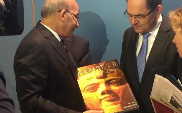 وزير الزراعةيبحث مع نظيره الألماني تكثيف التعاون البحثي الزراعي وتبادل الخبرات بين الجانبين