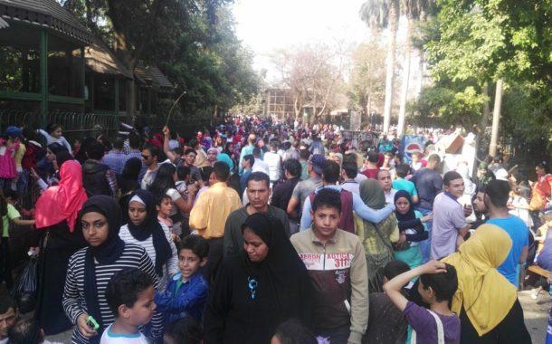 يوم الزحام في حديقة الحيوان: 150 ألف زائر و 400 طفل تائه و