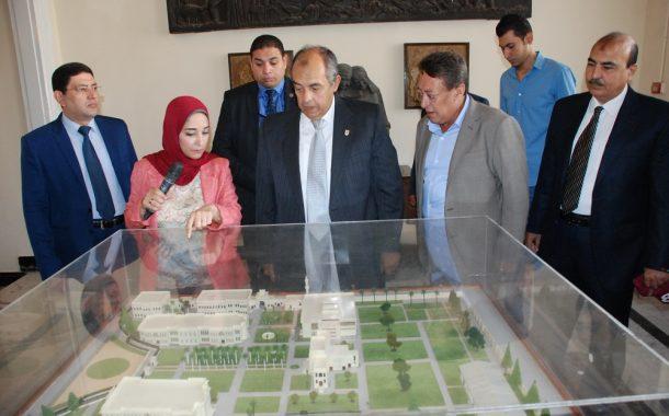 وزير الزراعة من سيناء إلي الدقي للإطمئنان على المتحف الزراعي