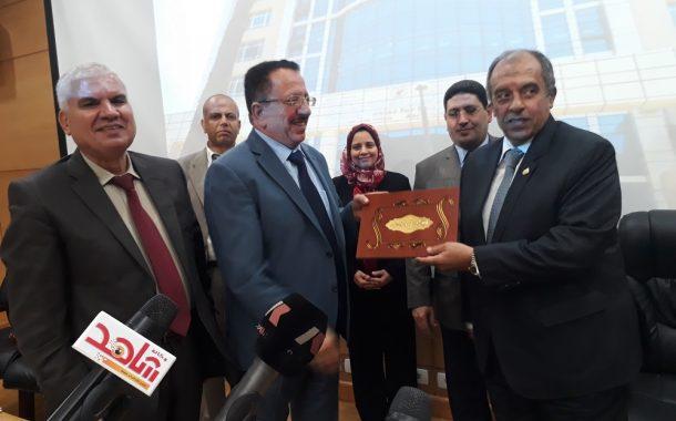 وزير الزراعة يفاجئ الباحثين في مركز البحوث بطلب صادم ... ضريبة الوطن