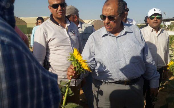 اليوم...وزير الزراعة يتفقد مشروع غرب المنيا وأول نموذج حديث لزراعة