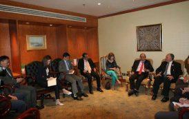 وزير الري يبدأ زيارة إلي سنغافورة للإستفادة من خبراتها في مجالات تحلية المياه ومعالجة الصرف الصحي
