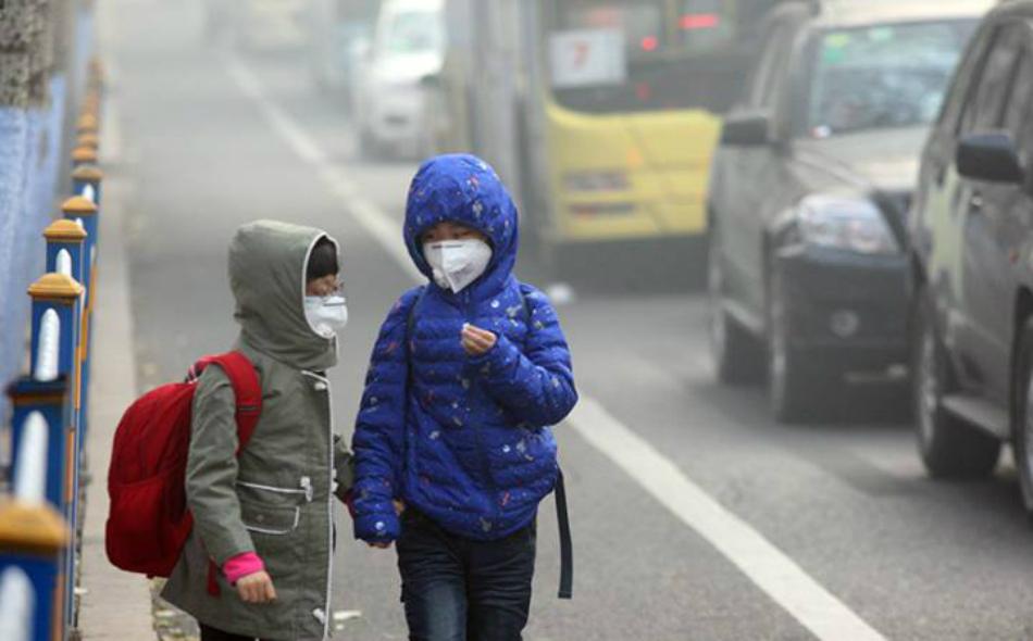 تقرير دولي يحذر: تلوث الهواء يقتل 600 ألف طفل سنويا