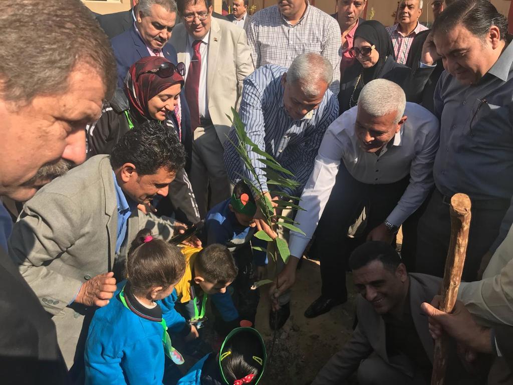 بالصور   تدشين حملة زراعة مليون شجرة مثمرة بالمنوفية بحضور المحافظ ونقيب الزراعيين