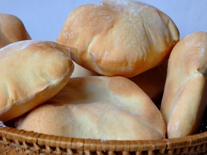 أول دراسة علمية تكشف مزايا خبز الشعير ومخاطر الخبز الابيض