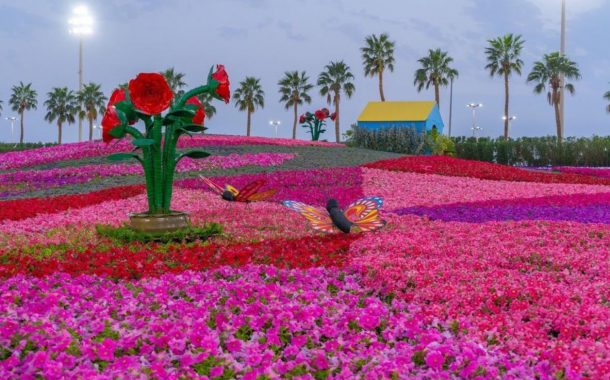 افتتاح مهرجان الزهور فى السعودية بمليون وردة .. بالصور والفيديو