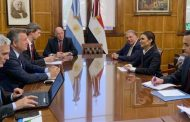 وزيرة الاستثمار تبحث مع وزير الزراعة الارجنتينى الاستثمار فى مجالى الصناعات الزراعية والثروة الحيوانية