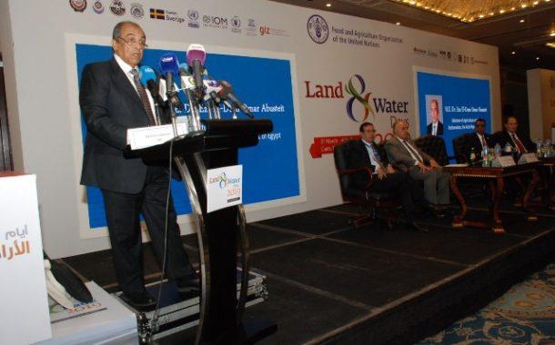 وزير الزراعة : ضرورة تعظيم الإنتاج الزراعى لمواجهة الطلب المتزايد على الغذاء .. بالصور