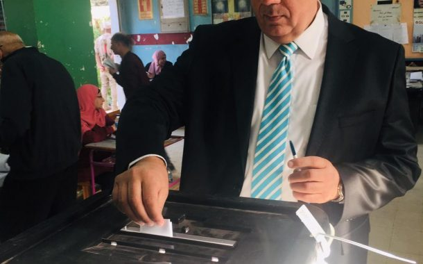 رئيس البنك الزراعي يدلي بصوته في الإستفتاء علي التعديلات الدستورية