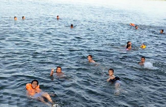 حملات تحذيرية من السباحة في النيل بالقناطر الخيرية (إعرف السبب)