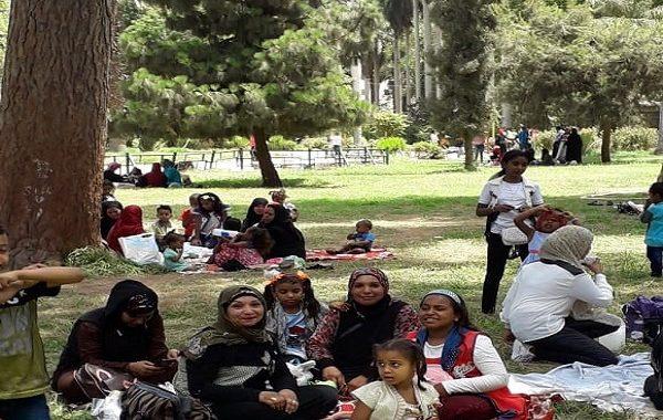 حديقة الاورمان: مسطحات خضراء تجذب الناظرين في العيد