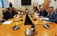 وزير الزراعة يبحث تطوير القطاع الزراعي مع المفوضين الاوروبيين للزراعة والصحة وسلامة الغذاء