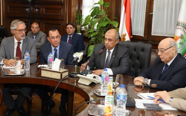 تصريحات نارية لوزير الزراعة عن إستهلاك المبيدات في مصر (تفاصيل)