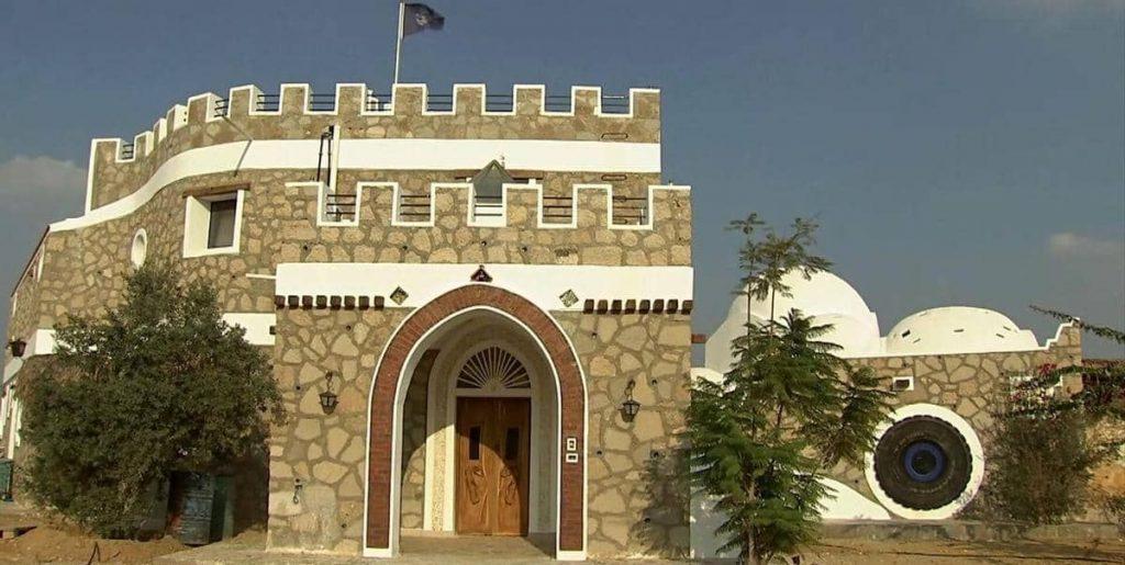 تعرف علي أول منزل مصري مصنوع من المخلفات ويحاكي أجمل المباني