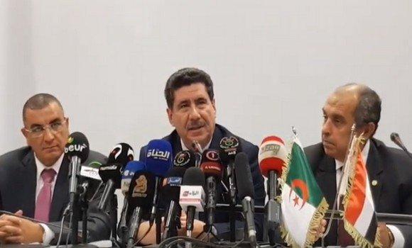 وزير الزراعة يوقع مع نظيره الجزائري مذكرة تفاهم للتعاون في الإستزراع السمكي