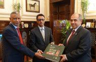 وزير الزراعة يتسلم أول أطلس للتمور المصرية من منظمة